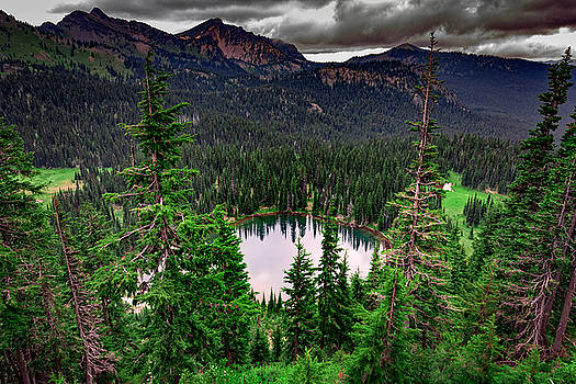 Rick Berk - Sunrise Lake On A Cloudy Day