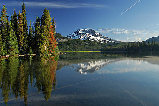 Reimar Gaertner - Sunrise on calm Sparks Lake with South Sister and evergreen refl