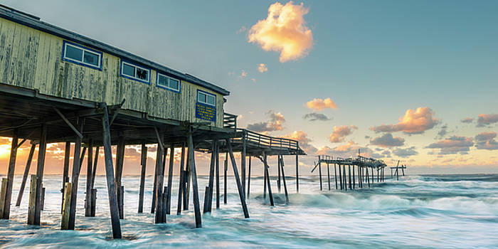 Ranjay Mitra - Sunrise over a Broken Fishing Pier on the Atlantic Coast in Outer Banks Panorama