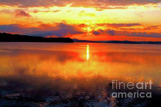 Sunrise over Chickamauga by Geraldine DeBoer