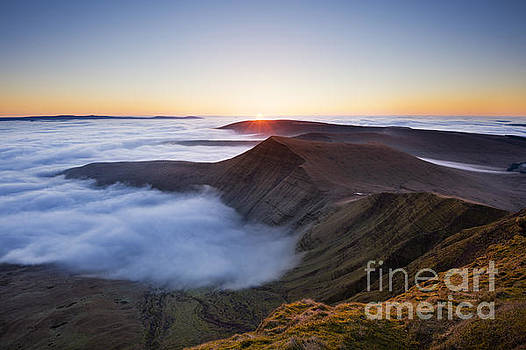 Sunrise over Cribyn, from Pen y Fan. Brecon Beacons, Wales by Justin Foulkes