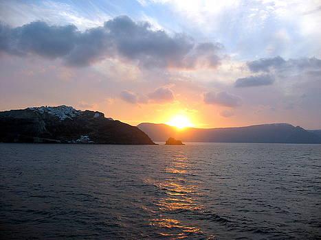 Sunrise over Santorini by Keiko Richter