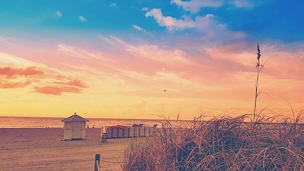 Sunrise South Beach S12 by Roland Macias