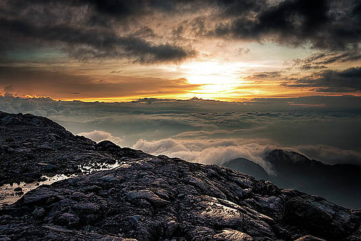 Sunset at 4790 m by Henri Leduc