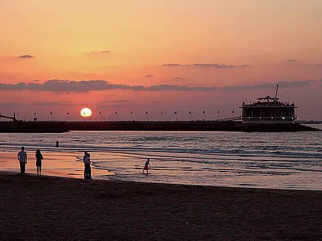 Sunset at Dubai Public Beach by Graham Taylor