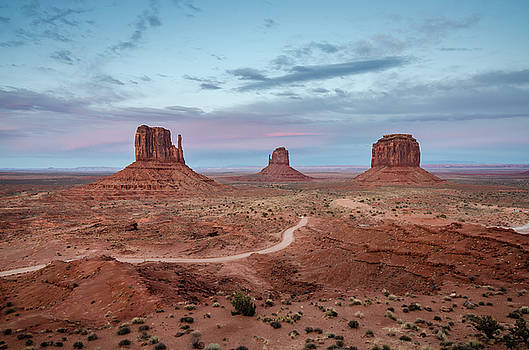 Margaret Pitcher - Sunset at Monument Valley No.1