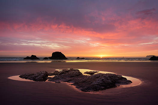 Sunset at Ruby Beach by Jon Ares
