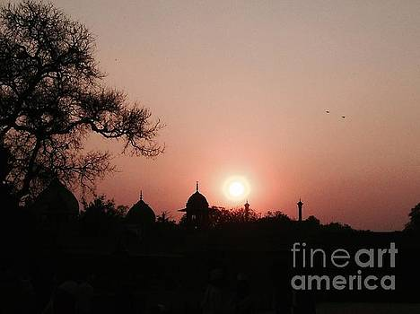 LeLa Becker - Sunset at the Taj