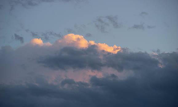 Vyacheslav Isaev - Sunset cloud