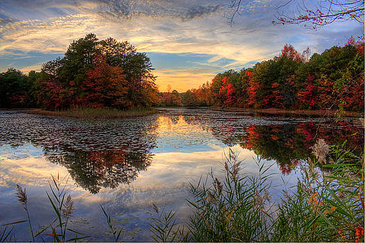 Lake sunset in New Jersey by Kevin Hill