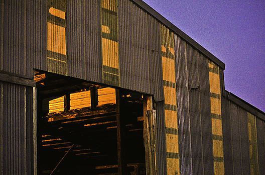 Clayton Bruster - Sunset Lights The Barn