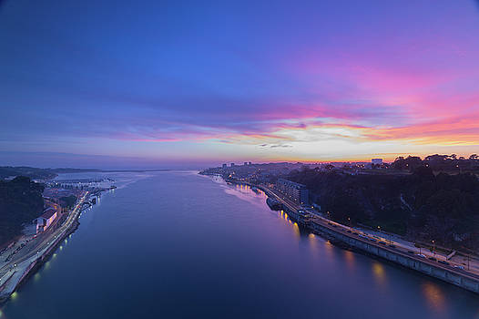Sunset looking from a bridge by Bruno Rosa
