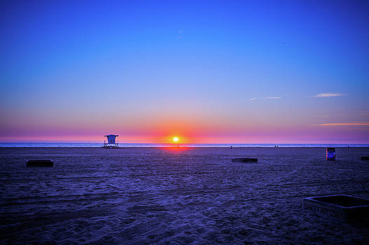 sunset of Huntington beach, CA by Hyuntae Kim