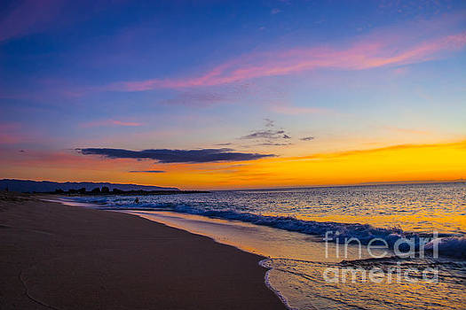 Sunset on Keiki Beach, Pupukea, Oahu by Gregory Schultz