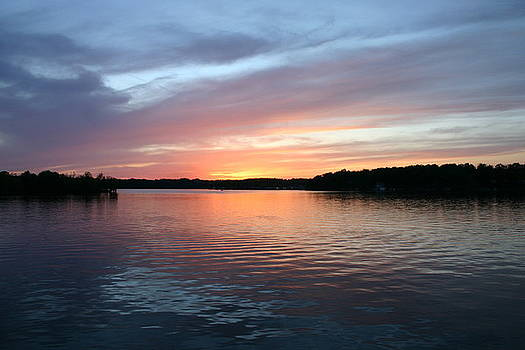 Sunset On Lake Freeman Monticello Indiana by Stan Layman