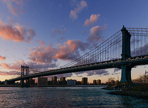 Sunset on Manhattan bridge by Dick Wood