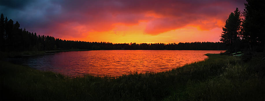 Sunset Panorama by Teemu Tretjakov