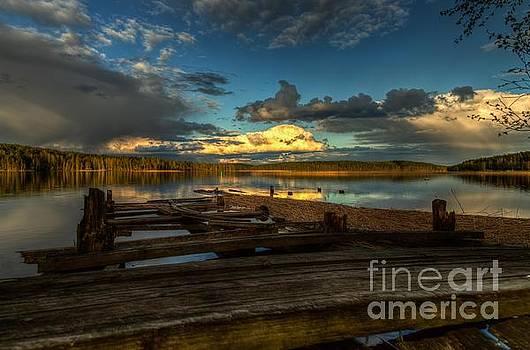 Sunset pier by Markus Hovikoski