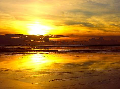 Sunset Roemoe by Sascha Meyer