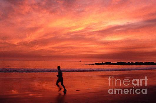 Sunset Runner Venice Beach by Tom Wurl