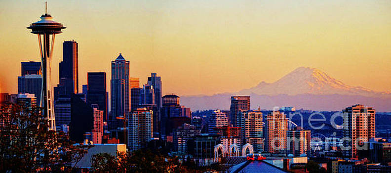 Sunset Seattle by Frank Larkin