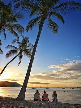Sunset silhouettes at Horseshoe Bay on Magnetic Island by Keiran Lusk