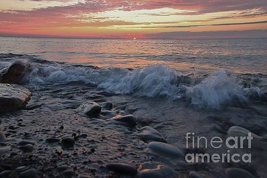 Sunset Wave Rush by Tony Lee