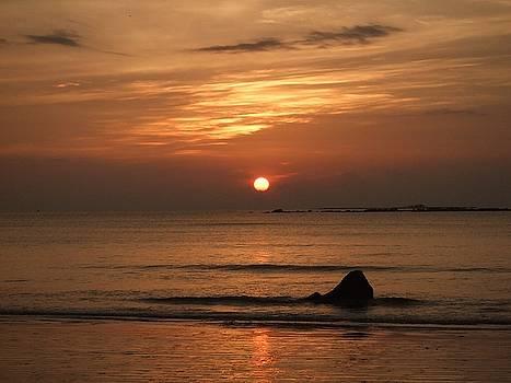 Sunset by Zwel Pai