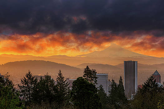 Sunsrise over City of Portland and Mount Hood by David Gn