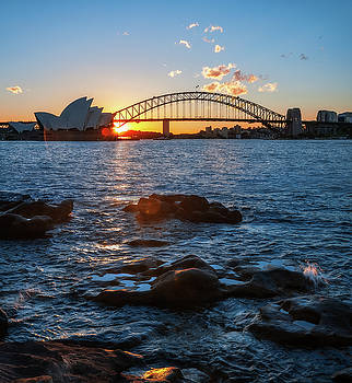 Sunstar at Sydney Opera House, Australia by Daniela Constantinescu