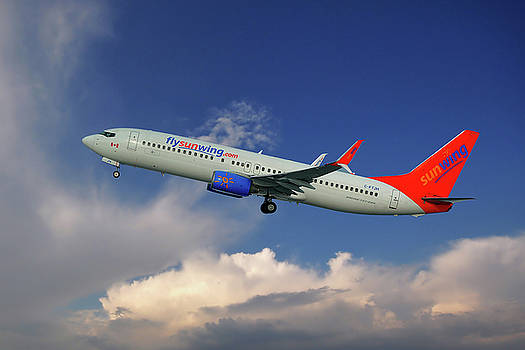 Sunwing Airlines Boeing 737-8BK by Nichola Denny