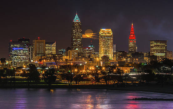 Super Moon 2016 over Cleveland by Richard Kopchock