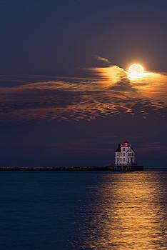 Supermoon at Lorain Lighthouse by Matt Shiffler
