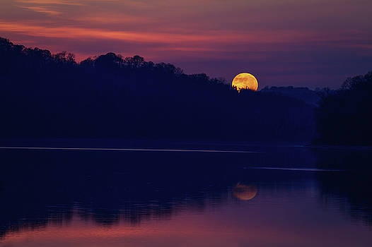 SuperMoon over Lake by Victoria Winningham