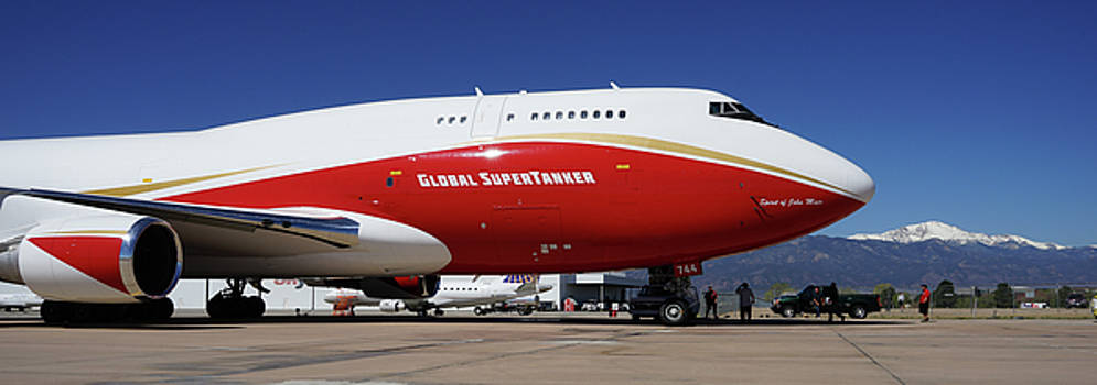 SuperTanker at Colorado Springs by Bill Gabbert