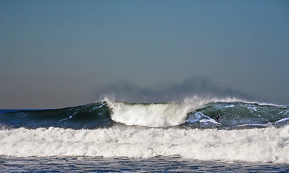 Ocean Beach Surf by Daniel Furon