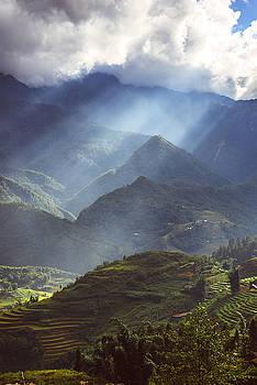 Surroundings around Sapa city, in Sapa, Vietnam.  by Eduardo Huelin