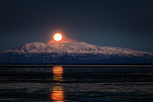 Susitna Moonset by Zane Giles