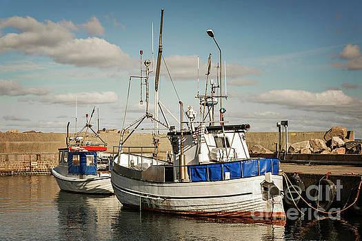 Sophie McAulay - Svanshall village harbour