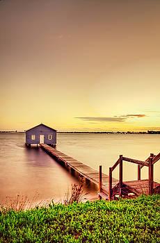 Swan River by Jimmy Chong