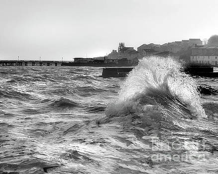 Swanage Winter Storm 2 by Linsey Williams