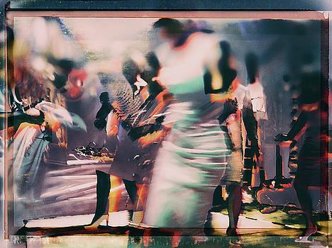 Swinging girls by Gabi Hampe