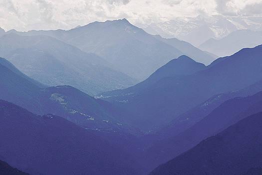 Swiss Alps by Emma Lucas