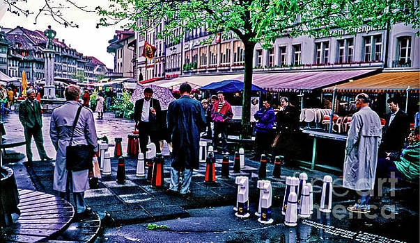Switzerland  street chess Swiss   by Tom Jelen