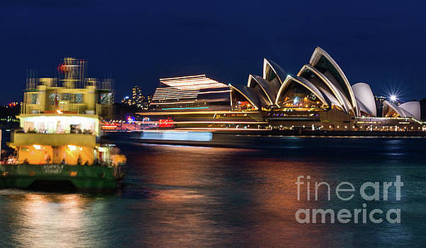 Sydney night life by Andrew Michael