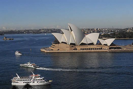 Sydney Opera House by Al Junco