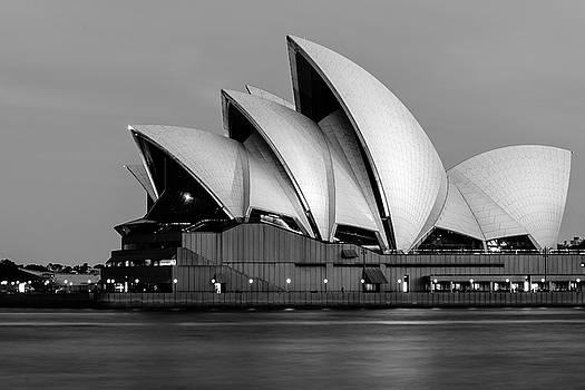 Daniela Constantinescu - Sydney Opera House in BW