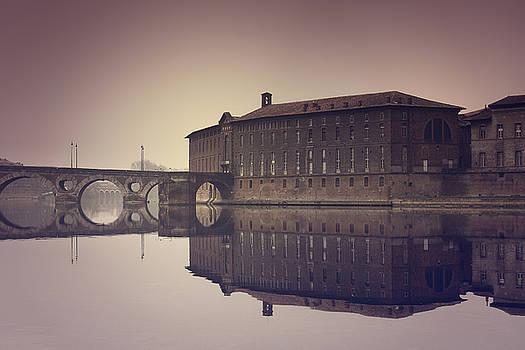 Symmetry by Mickael PLICHARD