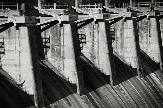 Table Rock Dam by Bud Simpson