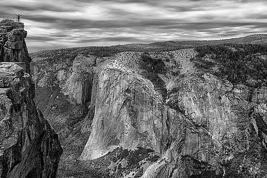 Taft Point and El Capitan by Raymond Salani III